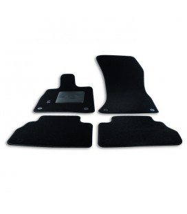 Set custom carpets for Audi model Q5